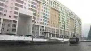 Ein Regentag im März: zeitgenössische Architektur in Moskau