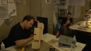 Why do Architects Wear Black? – Stan, Giancarlo, Danielle und Tyler philosophieren im Arbeitsraum