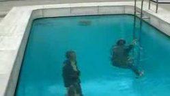Japan: Der unechte Swimming-Pool