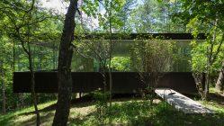 Japan: Ein Haus am Hang, mitten im Wald (Makoto Takei + Chie Nabeshima)