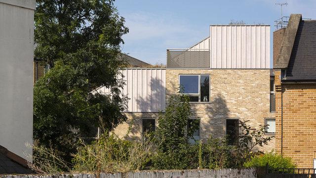"Viel Raum, viel Licht: Das Wohnhaus ""Church Walk"" in London (David Mikhail / Annalie Riches)"