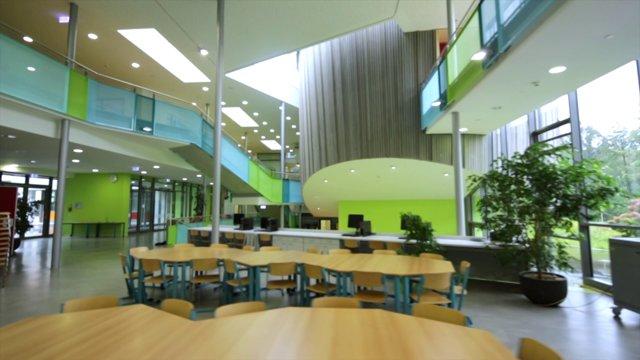 Rock 'n' Roll Realschule: Das Bildungszentrum Meckenbeuren von K+H Architekten